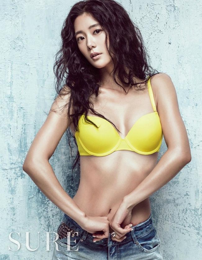 Cô còn là một nữ diễn viên được yêu thích tại Hàn Quốc. & nbsp;