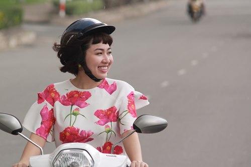 Chồng sắp cưới đến phim trường thăm Lê Khánh - 6