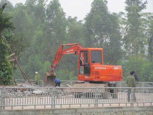 Cựu phó chủ tịch tỉnh đổ cho con trai lấn 400 m2 đất - 2