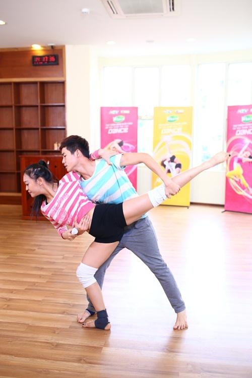 """Sơn Tùng M-TP tái xuất trong """"Thử thách cùng bước nhảy"""" - 4"""