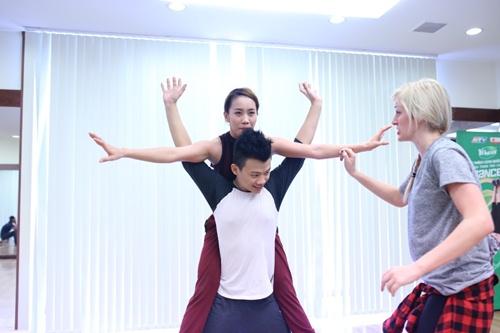 """Sơn Tùng M-TP tái xuất trong """"Thử thách cùng bước nhảy"""" - 5"""