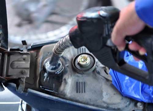 Từ 13h ngày 6/12, giá xăng dầu tiếp tục giảm - 1