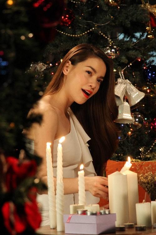 Mỹ nhân Việt gợi cảm trong sắc màu Noel - 9