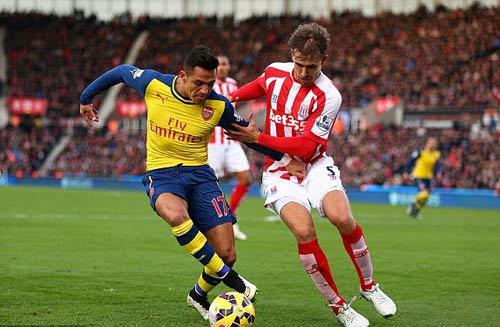 Stoke - Arsenal: Kịch tính đến phút chót - 1