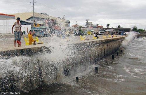 Bão Hagupit vào Philippines, gây mưa lớn phá hủy nhà cửa - 5
