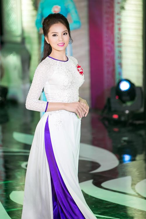 Vẻ đẹp tuổi 18 non tơ của tân Hoa hậu Việt Nam - 12