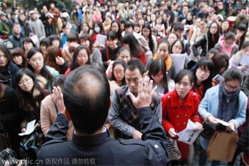 """Sinh viên Trung Quốc và giấc mơ """"bát cơm sắt"""" - 6"""