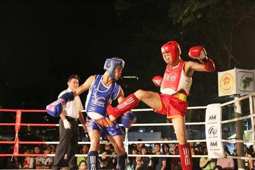 Võ đài Muay Thái ngoài trời thu hút hàng ngàn người xem - 10