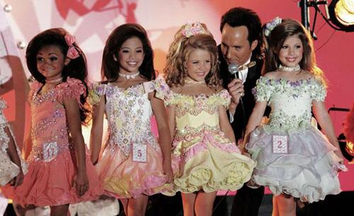Góc khuất các cuộc thi hoa hậu trong 6 phim thú vị - 3