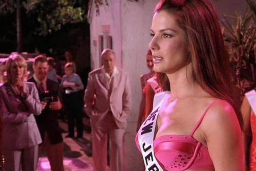 Góc khuất các cuộc thi hoa hậu trong 6 phim thú vị - 5