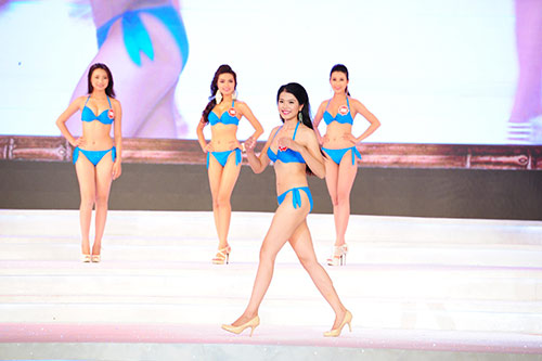 Cận cảnh thí sinh Hoa hậu Việt Nam trình diễn áo tắm - 13