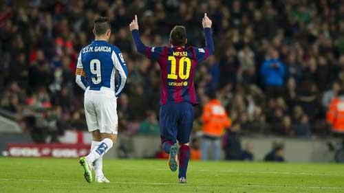 Lập hattrick, Messi cán mốc 400 bàn cho Barca - 1