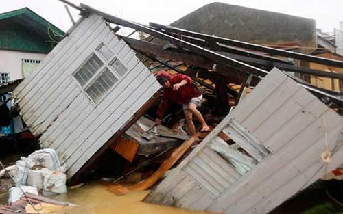Bão Hagupit tàn phá Philippines, 2 người thiệt mạng - 3