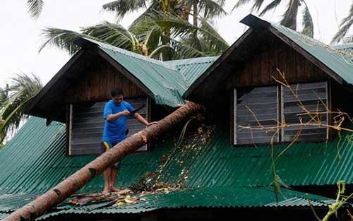 Bão Hagupit tàn phá Philippines, 2 người thiệt mạng - 4