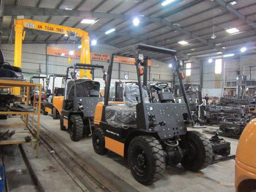 Xe nâng lắp ráp tại Việt Nam được nhiều khách hàng lựa chọn - 3