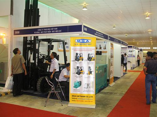 Xe nâng lắp ráp tại Việt Nam được nhiều khách hàng lựa chọn - 1