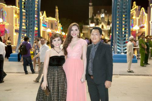 Doanh nhân Phan Thị Mai nổi bật bên dàn Hoa hậu, Á hậu - 2