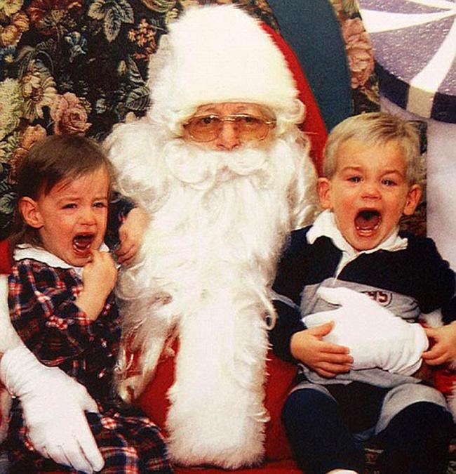 Đừng khóc nữa, sang năm ông tặng quà to hơn nhé