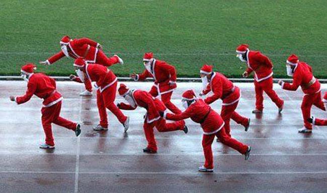 Hội ông già noorl tổ chức cuộc thi chạy