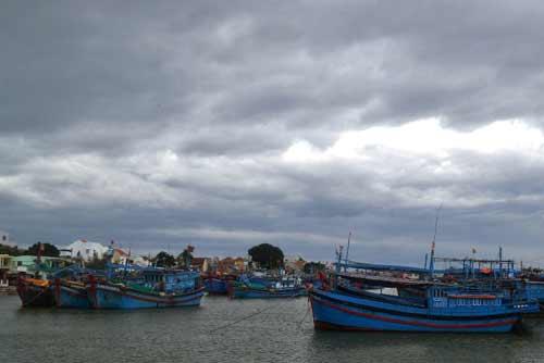Hagupit tiến gần Biển Đông, báo bão khẩn cho tàu thuyền - 1