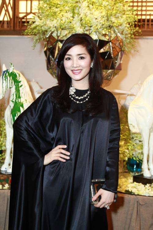 Những con số ấn tượng của Tuần lễ thời trang Việt - 3