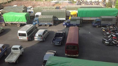 Bắt giữ 9 xe tải chở hàng lậu từ biên giới về Hà Nội - 3