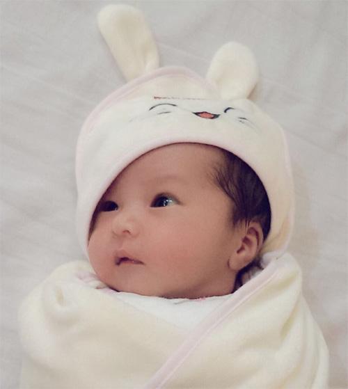 Hot girl Mai Thỏ đã sinh con gái đầu lòng - 4