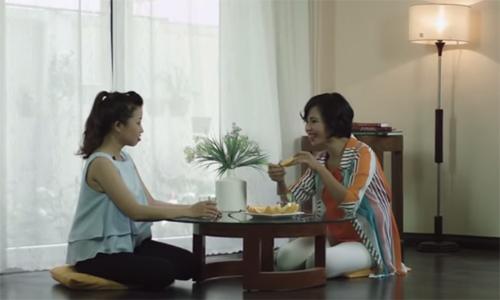 Trang Hạ làm vlog về phụ nữ sợ đứng bếp ngày Tết