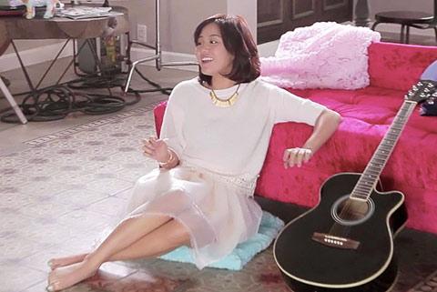 MV mới của Văn Mai Hương đạt 2 triệu lượt xem trong 2 ngày - 1