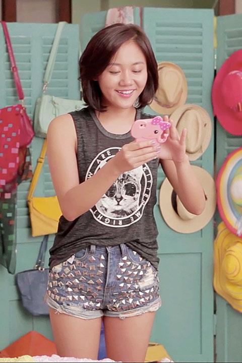 MV mới của Văn Mai Hương đạt 2 triệu lượt xem trong 2 ngày - 4