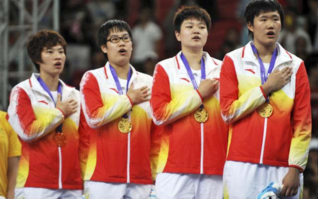 Trung Quốc cấm hát quốc ca trong đám cưới, ma chay