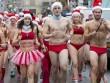 """70 người mặc """"bikini Noel"""" chạy giữa cái lạnh âm độ C"""