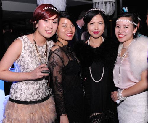 """Tín đồ Việt thử sức với thời trang """"đại gia Gatsby"""" - 2"""