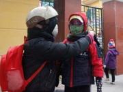 Hà Nội: Phụ huynh, nhà trường lo đối phó với rét