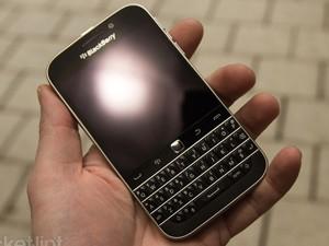 Trên tay điện thoại BlackBerry Classic mới ra mắt