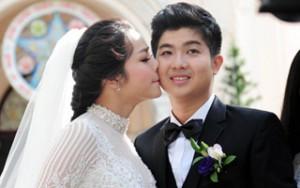 Nhật Kim Anh âu yếm hôn chú rể trong hôn lễ tại nhà thờ