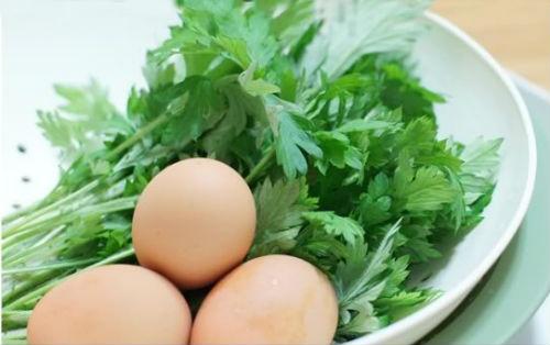 Image result for trứng gà lá ngải
