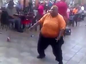 Clip: Chàng béo với điệu nhảy vui nhộn