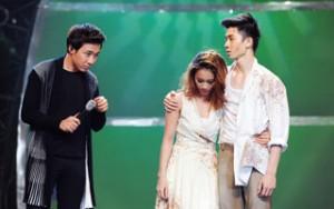 Trấn Thành rơi nước mắt với hoàn cảnh của nữ vũ công