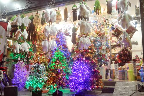 """Ngắm những cây thông """"khủng"""" nhất mùa Giáng sinh 2014 - 7"""
