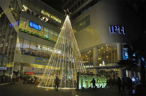 """Ngắm những cây thông """"khủng"""" nhất mùa Giáng sinh 2014 - 12"""