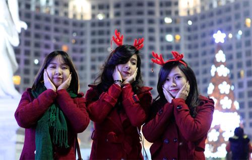 """Ngắm những cây thông """"khủng"""" nhất mùa Giáng sinh 2014 - 10"""