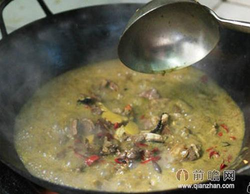 Lạ lùng món... lẩu phân bò ở Trung Quốc - 3