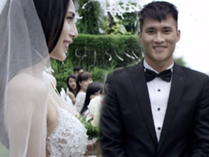 """Công Vinh bối rối làm chú rể trong MV """"cưới thử"""" Thủy Tiên"""