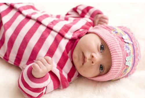 """Quy tắc """"vàng"""" mặc ấm cho trẻ sơ sinh: Mẹ cần biết! - 2"""