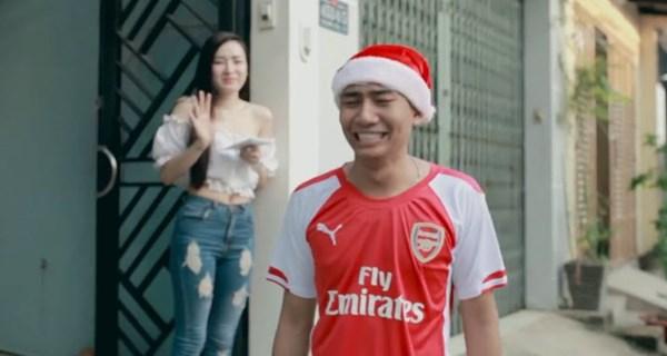 Clip dở khóc dở cười khi F.A đón Noel