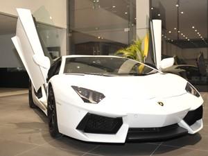 Ngắm Lamborghini Aventador chính hãng đầu tiên tại Việt Nam