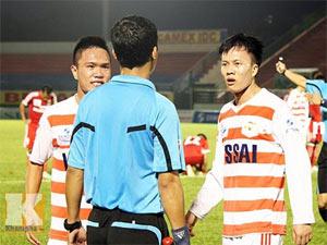 Cấm đá bóng vĩnh viễn với 9 cầu thủ Ninh Bình bán độ