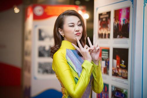 Hoa hậu Kỳ Duyên nhí nhảnh bên chân dài Thanh Hằng - 4