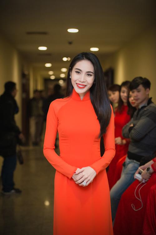 Hoa hậu Kỳ Duyên nhí nhảnh bên chân dài Thanh Hằng - 13